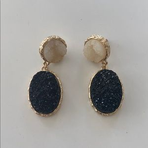 Jewelry - White and black stone, gold earrings
